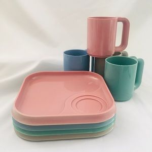 NWOT VTG Am Pro Line Plastic Cup Plate Stackable